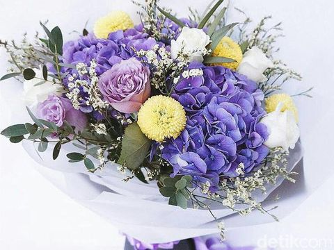 The Best Condolences Wreath Flowers And Its Meaning